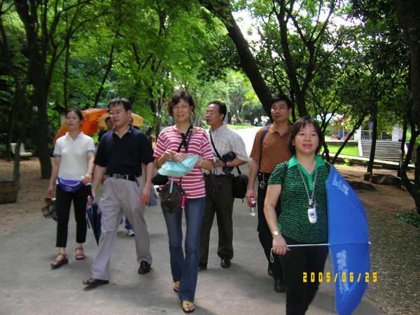 首页 资讯中心 >  公司文化活动  湛江东海岛--日出1 (邓伟恩摄)